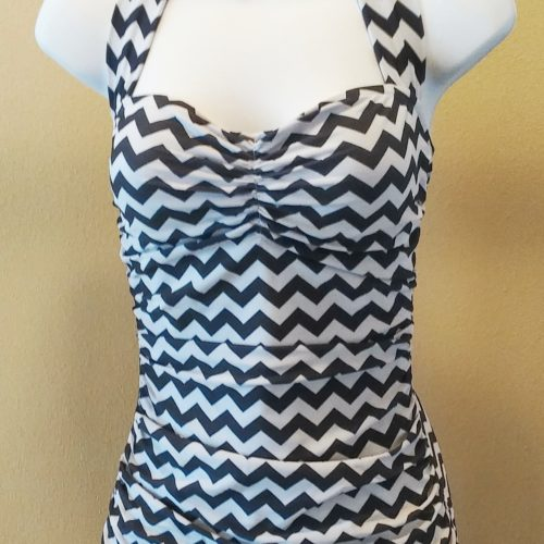 BBB Classic Sheath One-Piece Chevron Black and Gray